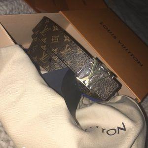 Woman's Louis Vuitton LV logo belt size 85 (9)